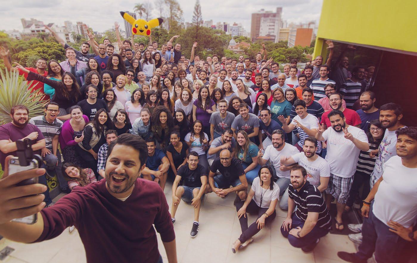 João Pedro Resende e equipe: Hoje a Hotmart tem 200 funcionários e 60 vagas abertas.