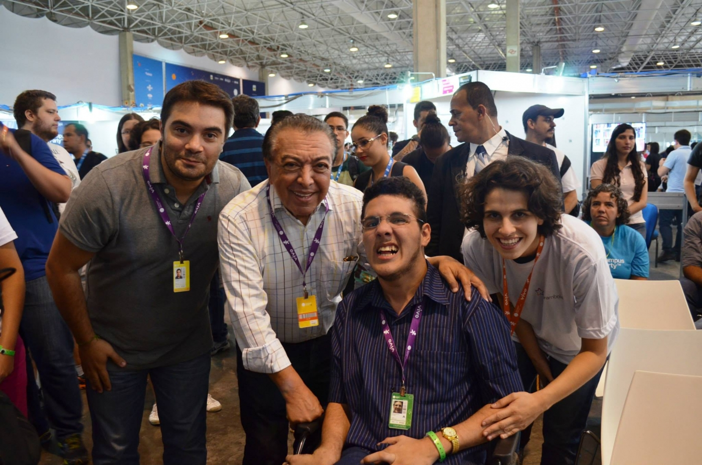 Juliana e João (ao centro, com o cartunista e empresário Maurício de Sousa) se conheceram durante a Campus Party de 2015.