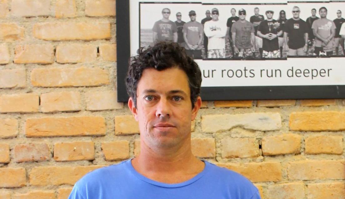 Depois de anos chegando ao mercado por meio de multimarcas, Gustavo quer aproximar a Quiksilver do cliente