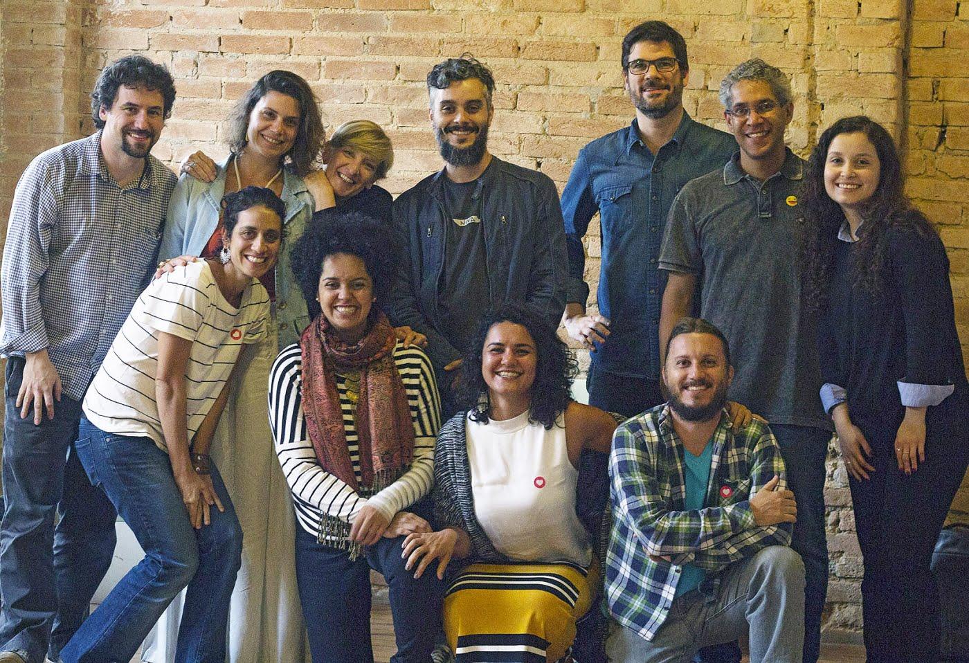 O equipe do Instituto com Rodrigo Savazoni (abaixo, à direita). (foto: Victor Marinho)