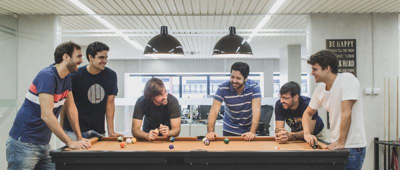 No escritório, em Salvador, os fundadores da startup: Osvaldo Matos Jr., Gustavo Maia, Luiz Paulo Pinho, Rodrigo Barreto, Daniel Murta e Rafael Costa.