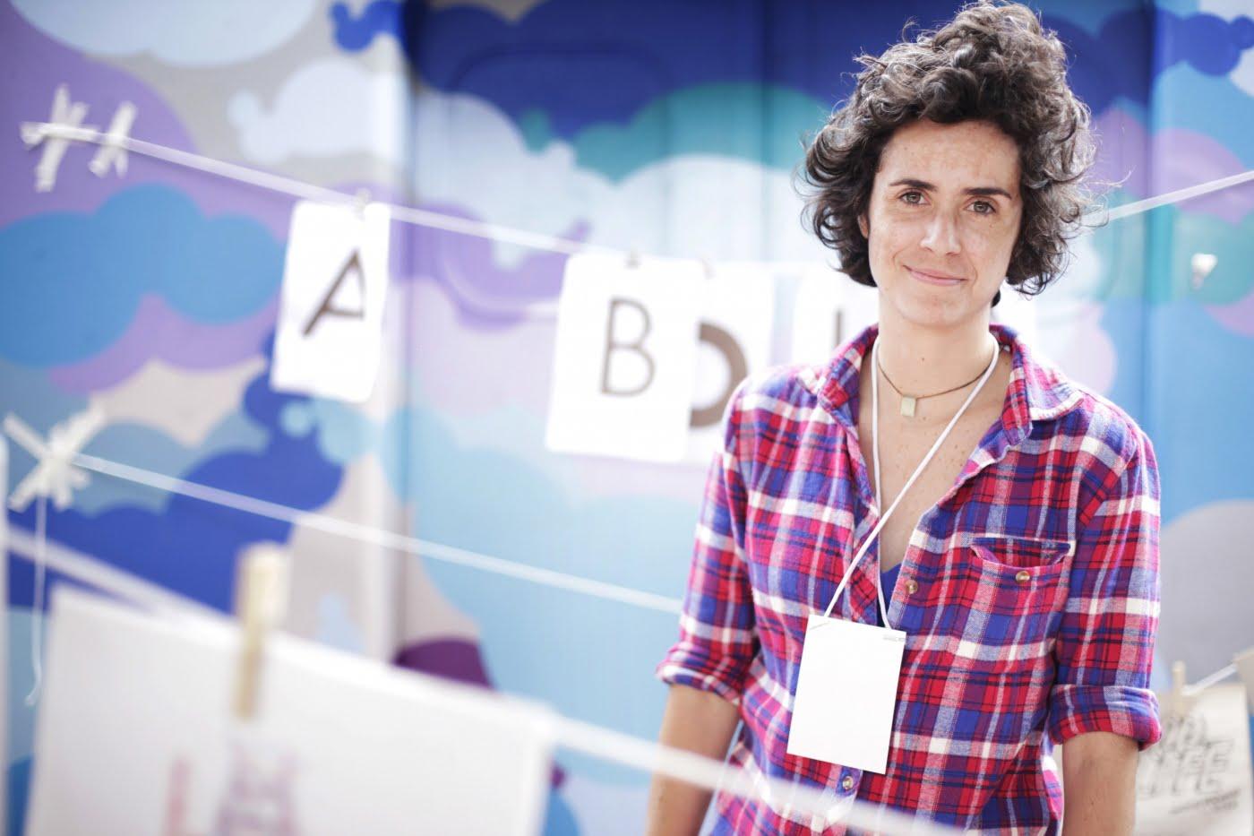 """""""A Bolha é uma batalha pessoal, é um projeto de vida. Para mim, o trabalho de um editor é abrir espaços"""", diz Raquel Gontijo, empreendedora de um nicho de apaixonados."""
