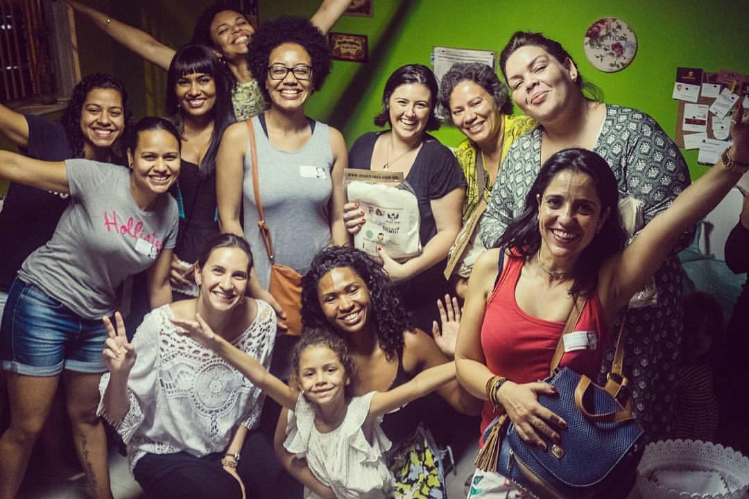 """O happy hour da Feminaria é chamado de """"Cheers!"""", e reúne tanto associadas como visitantes."""