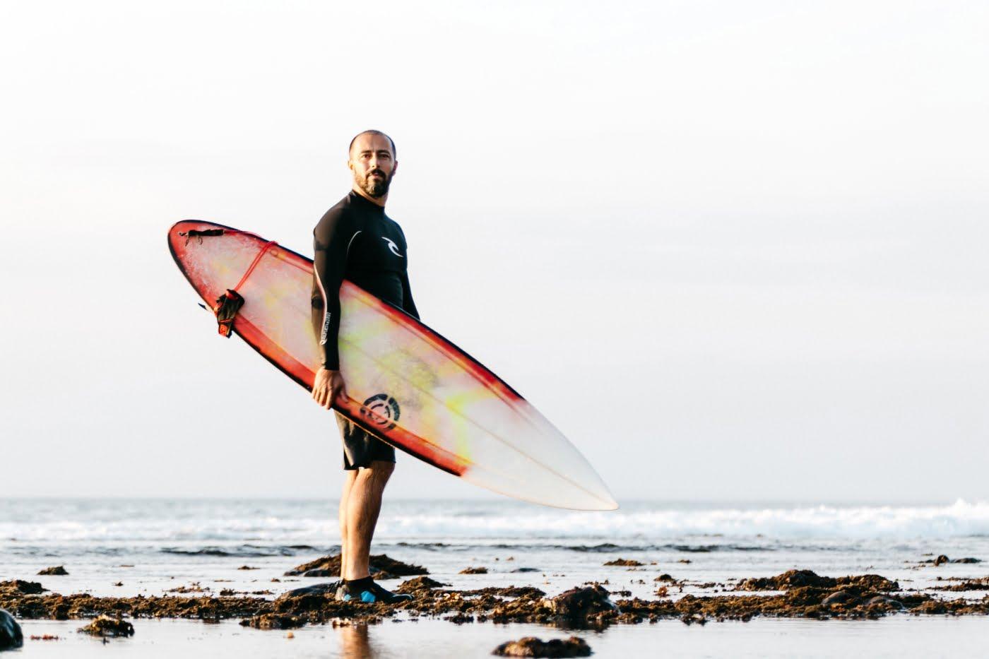 Administrador, surfista e iogue, o diretor de incorporação da Gamaro, Vinicius Amato, defende um ritmo mais lento e mais humano de trabalho.