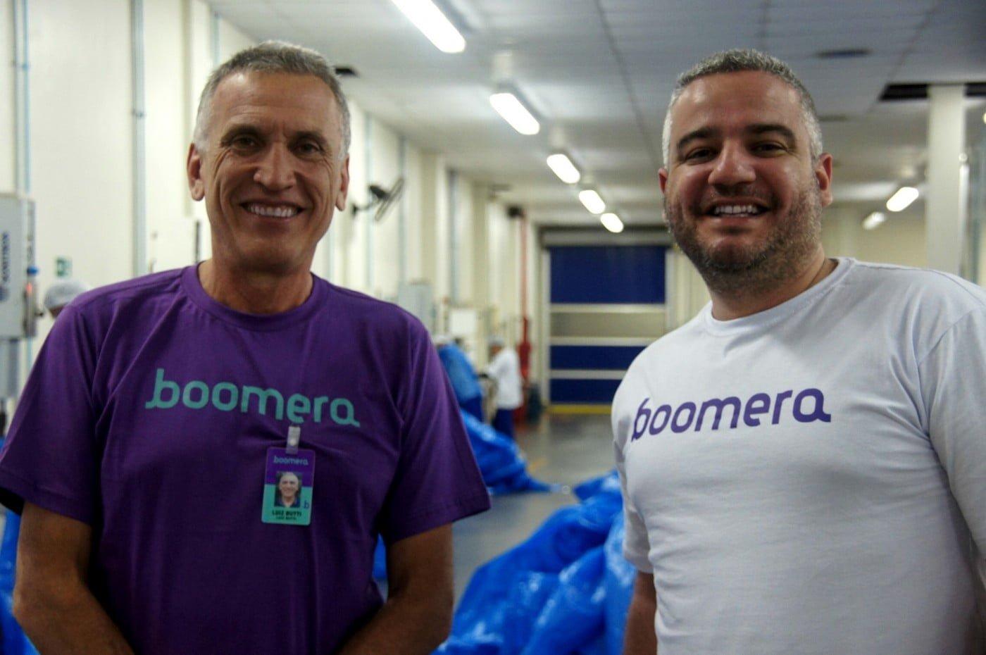 Luiz Butti, que desistiu da aposentadoria para empreender na Boomera, ao lado do fundador Guilherme Brammer.