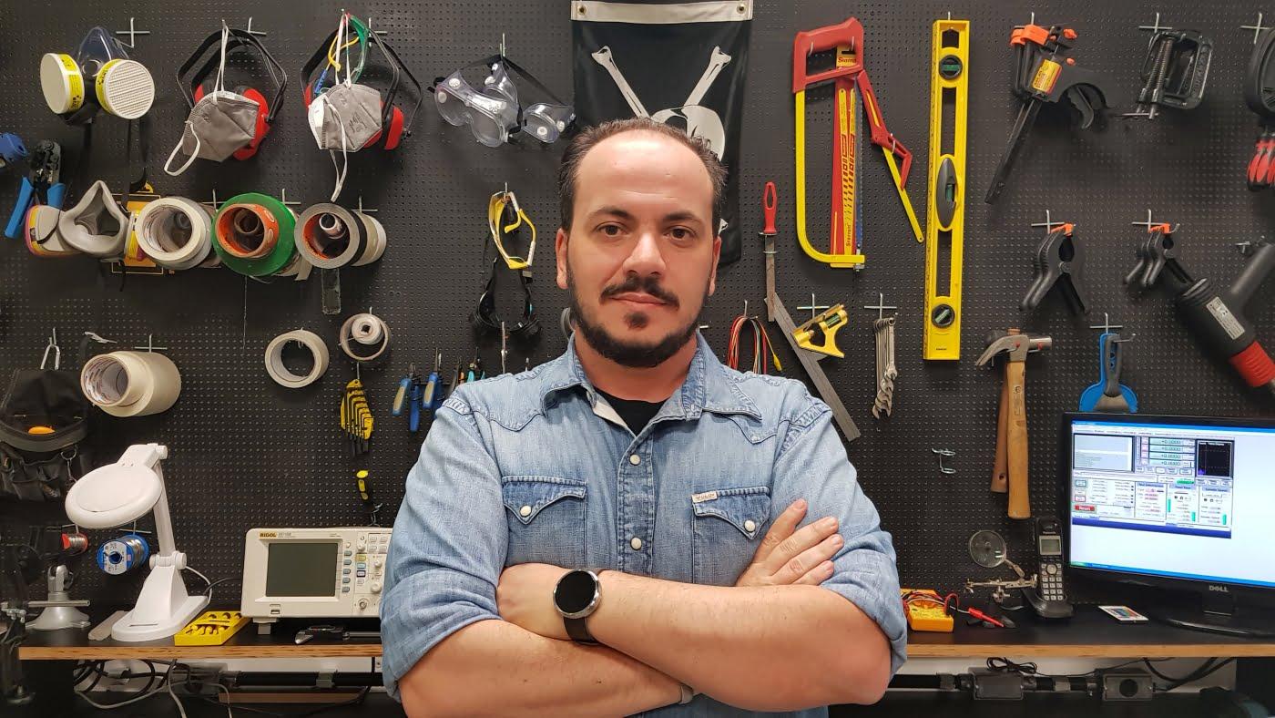 Nagib Nassif Filho na Bolha: o estúdio tem 12 makers e um lab de software e hardware para desenvolver projetos únicos.