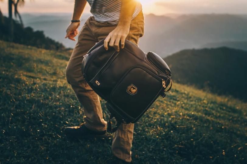 Feitas para durar a vida toda, as mochilas da Nordweg em couro preto são uma novidade recente da marca.