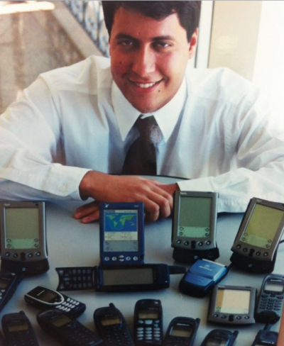 Fabrício Bloisi, fundador e CEO da Movile, em 1998, quando vendia jogos e música para operadoras de celular via SMS.