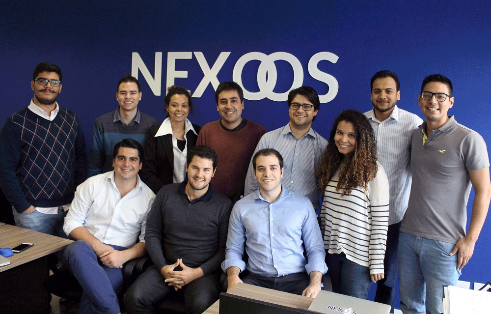 Parte da equipe da Nexoos, em São Paulo (sentados, à frente, estão os fundadores Murilo, Nicolas e Daniel).