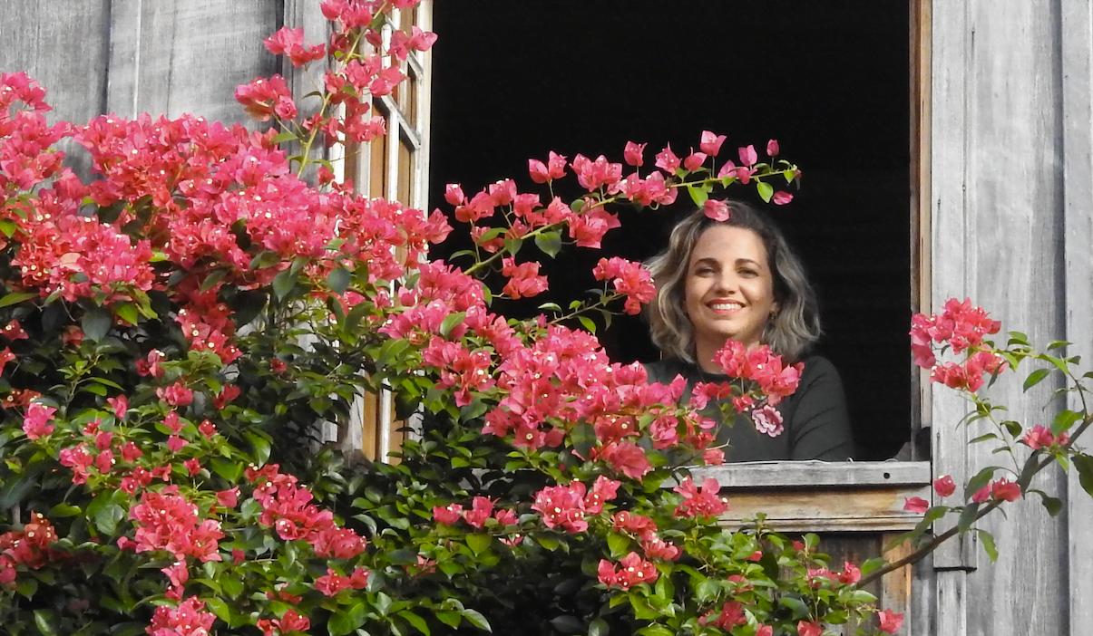 Jornalista, Cristine Gentil se despediu de seu primeiro e único emprego sem ter um plano B. Além de garantir uma nova renda, precisava encontrar numa nova identidade (foto: Luís Tajes).