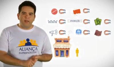 Mão na massa: Rodrigo fundou a Aliança Empreendedora para mudar uma realidade. Acima, em uma videoaula para empreendedores.