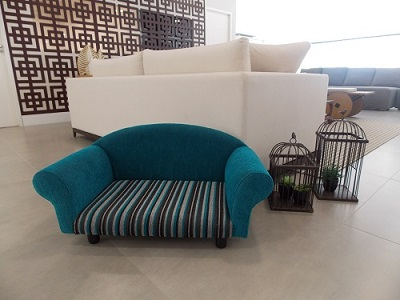 O sofá foi o primeiro móvel desenvolvido por Silvia para a marca.