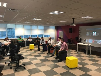 BDrops Curitiba – evento de apresentação do programa de conexão com startups para engajamento dos funcionários da unidade local.