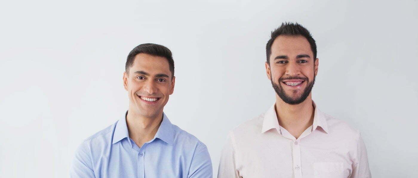 Anderson Gil e André Gil, irmãos e fundadores da Followize (foto: Drika Trevisan/ISSOaí Design).