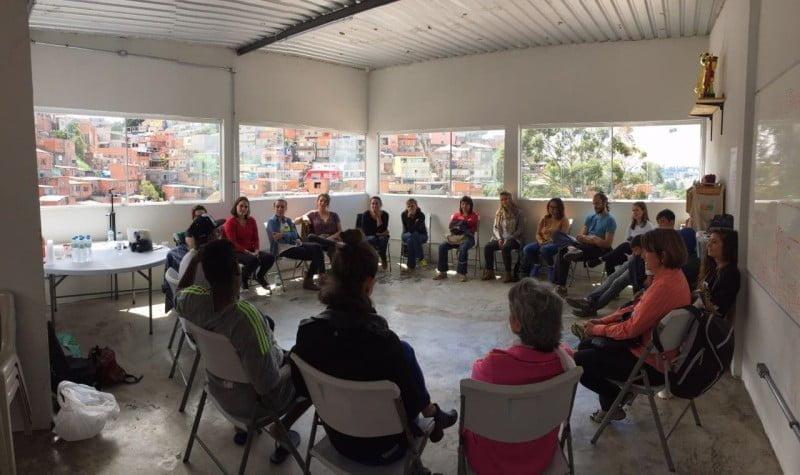 Participantes do curso Business Design for Change, do Sense-Lab, ocorrido na sede do Projeto Viela no Jd. Ibirapuera, na periferia de São Paulo.