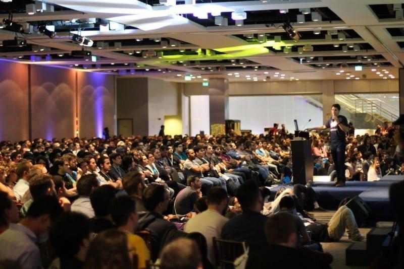 Gabriel fala da Rocket.Chat na conferência de JavaScript BrazilJS, em Porto Alegre.