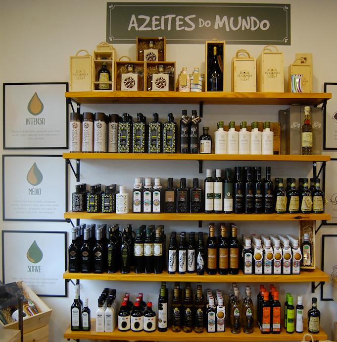 Os azeites, do Brasil e do mundo, seguem sendo o carro-chefe do empório. Outros produtos saíram, mudaram...