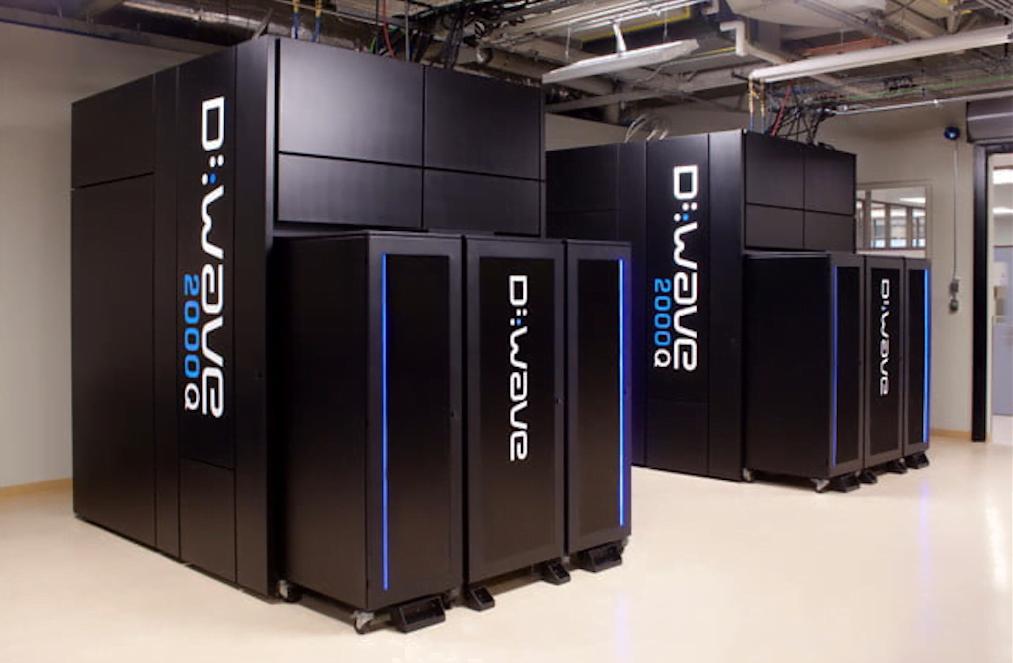 Ele até existe, mas vai estar acessível de fato daqui alguns anos. O computador quântico é uma maquina poderosíssima, capaz de mudar tudo o que sabemos sobre processamento de informação. Acima, o robusto D-Wave: primeiro computador quântico do mundo.