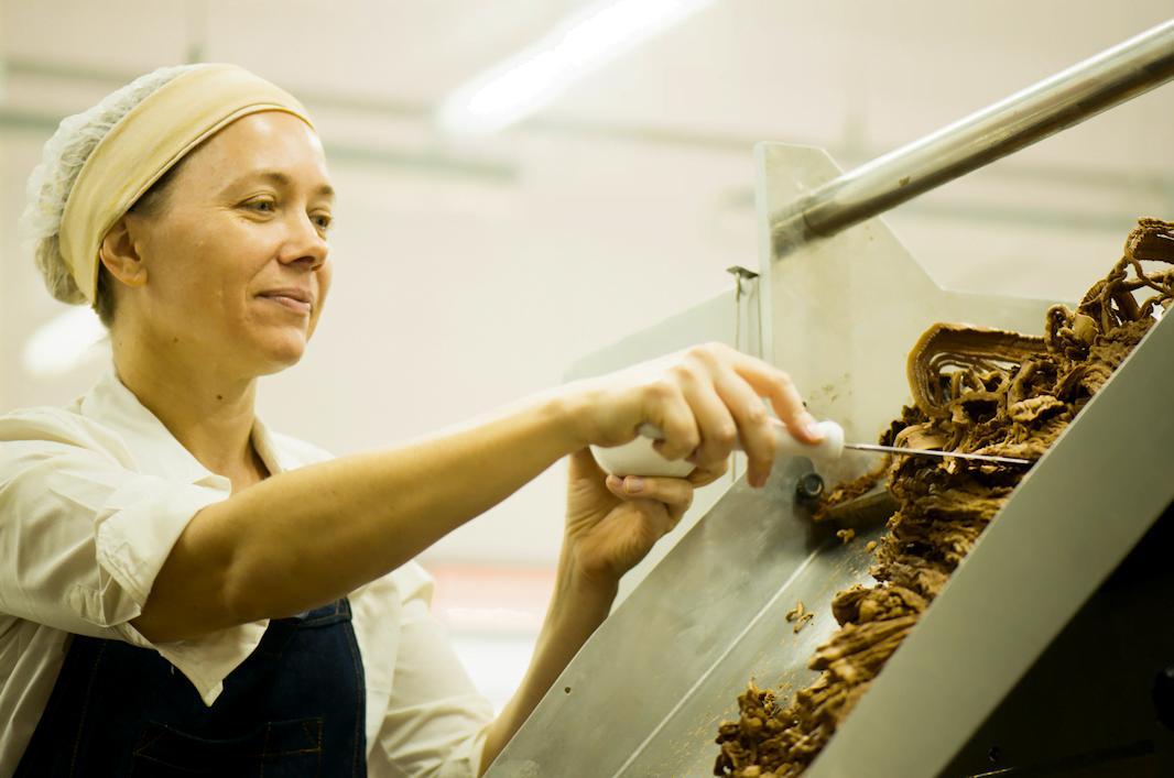 Claudia Schultz, da Chokolah, conta como o doce entrou na sua vida para, aos poucos, transformar tudo.