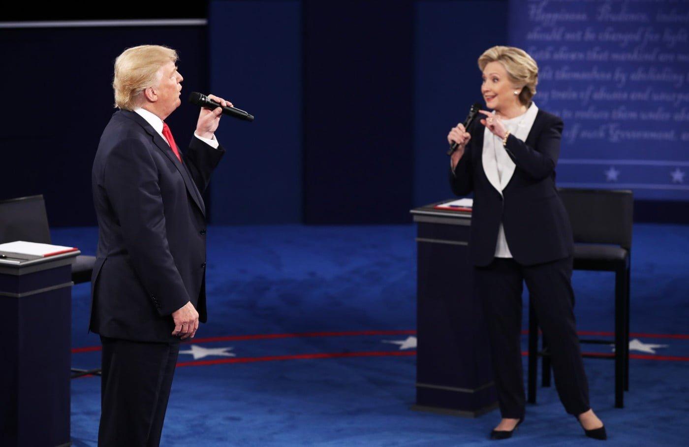 Nos debates presidenciais dos EUA, Donald Trump protagonizou inúmeros episódios de Mansplaining. Hilary Clinton revidou, algumas vezes (imagem: reprodução YouTube).