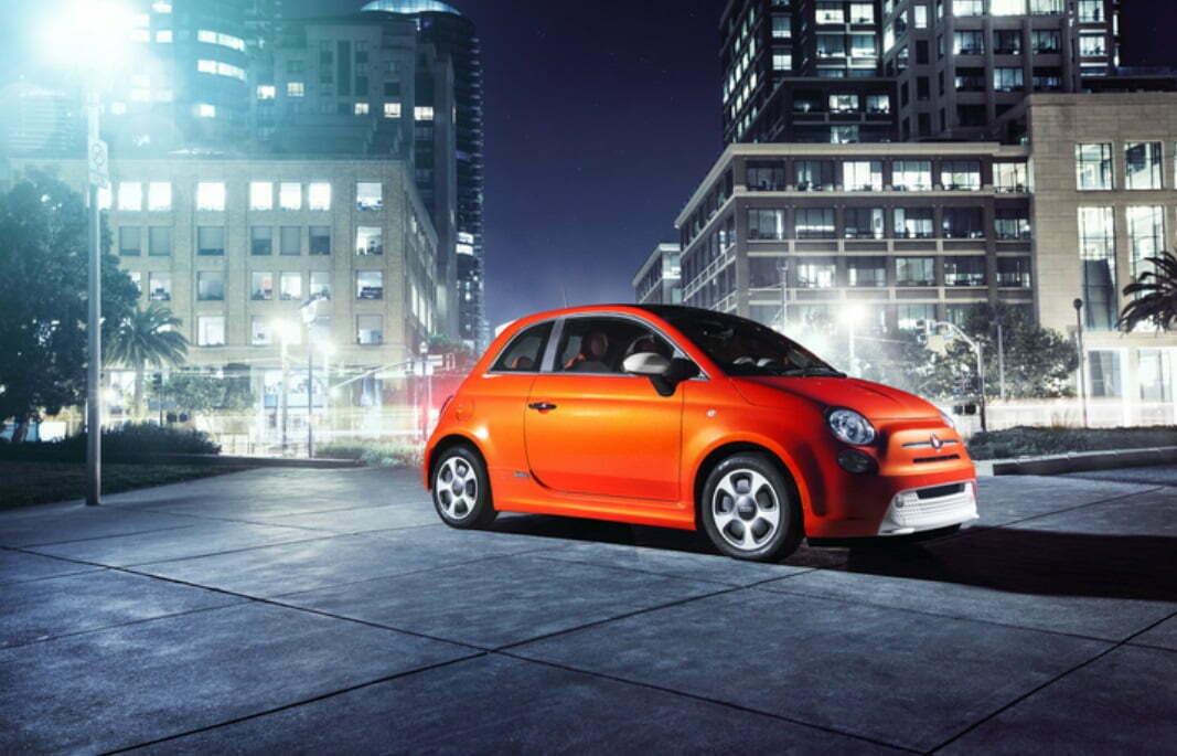 """O Fiat 500e, primeiro carro 100% elétrico da FCA, foi lançado em 2013 no estado da California, EUA. """"É preciso antes resolver a questão de como produzir energia limpa"""", diz Marchionne. """"Forçar a introdução de carros elétricos é uma grande ameaça ao planeta."""