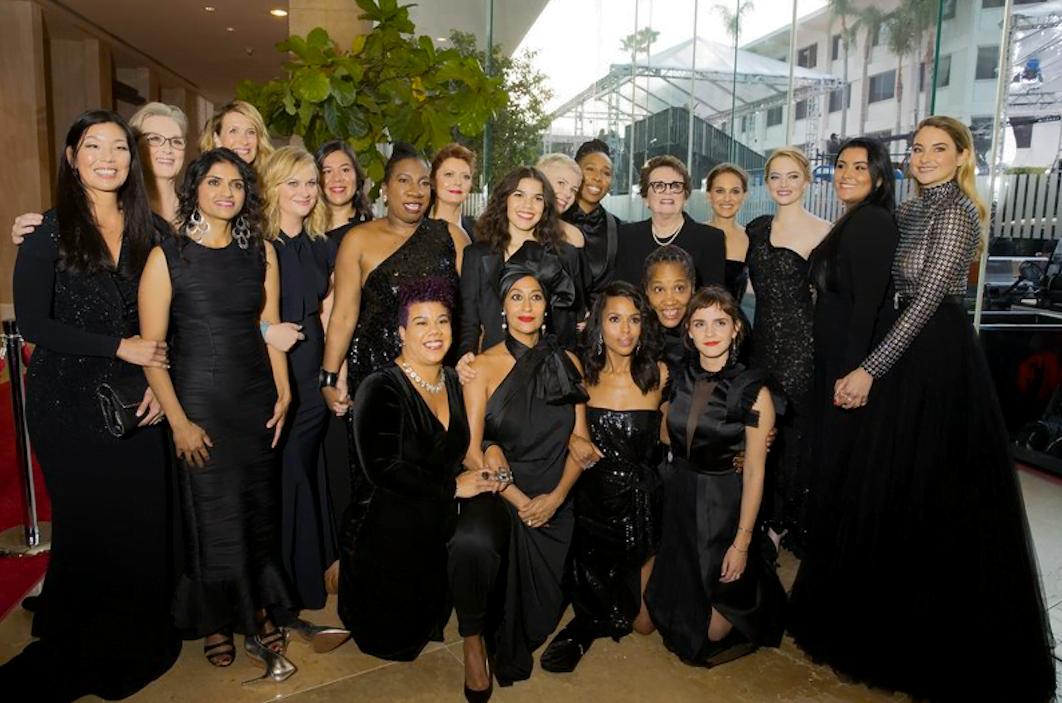 Sororidade no tapete vermelho: no último domingo (7), atrizes de Hollywood vestiram preto e posaram ao lado de ativistas feministas para divulgar o Time's Up.