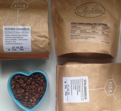 O delivery do Pura Caffeina não é assinatura: o cliente só pede o que quer. A oferta depende da produção, sempre o mais fresca possível.