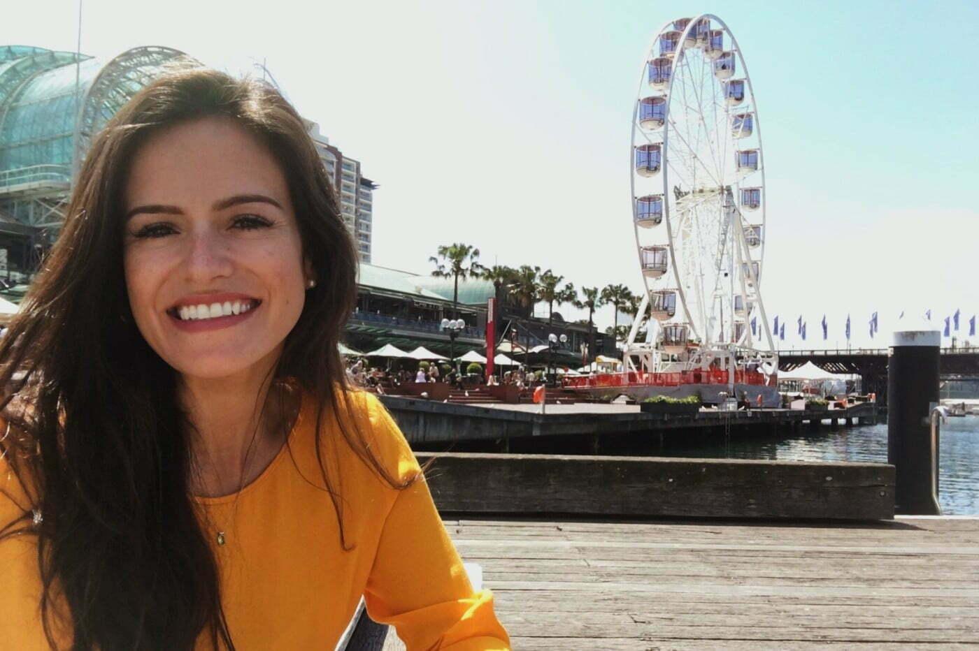 Manuela em Darling Harbour, um dos ícones icônico da Australia.