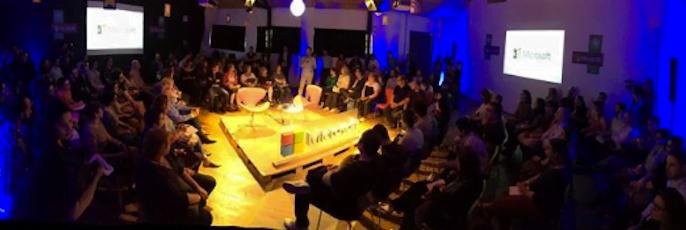 Evento da Hackademia/Educare com a Microsoft, realizado em modelo circular, próprio para a interação, em 2016.