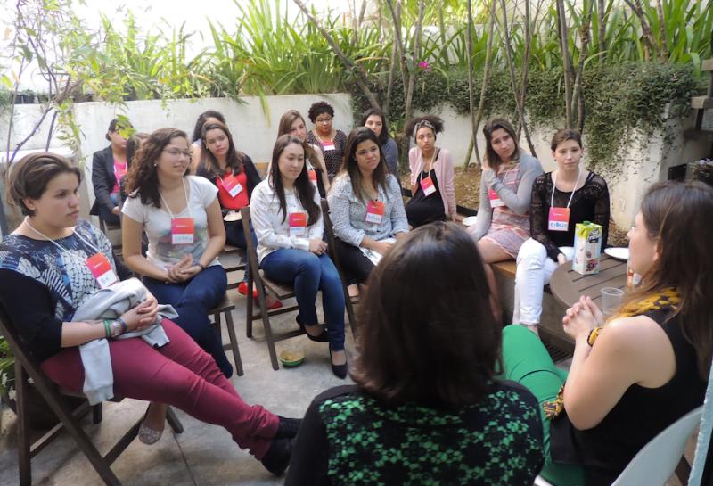 Roda de conversa em uma das edições do LideraBeta, curso de liderança para mulheres e um dos principais produtos da startup