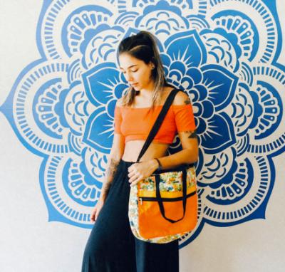 A bolsa Ana Fernanda, da Agama, custa 139,90 reais. Todas as peças são feitas com sobras de tecido, portanto são únicas.