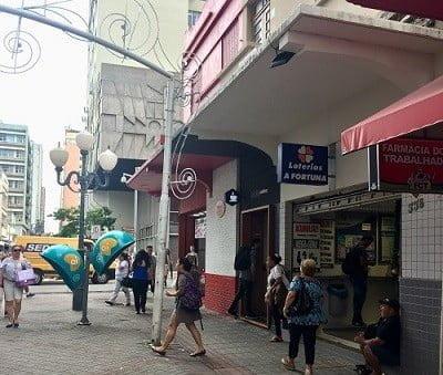 O principal calçadão de comércio no centro de Florianópolis, que Gustavo sonha em revitalizar.