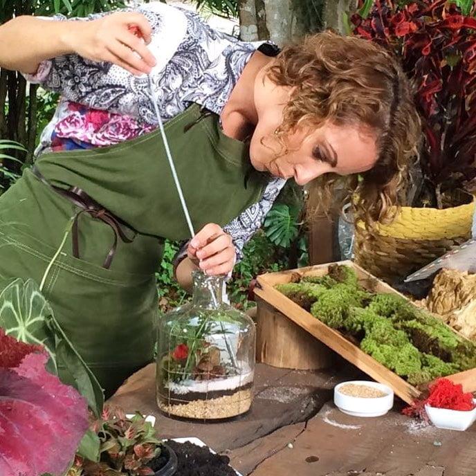 Depois de repensar o Minhas Plantas, o negócio se tornou sustentável e Carol ganhou mais tempo para colocar a mão na terra.