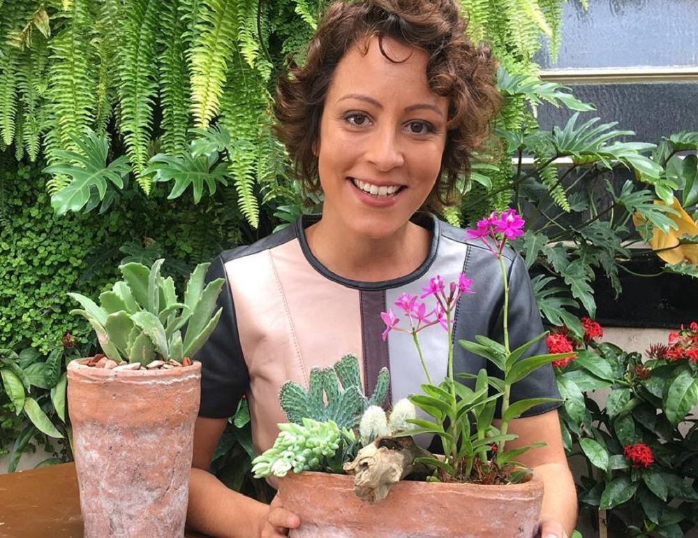 Carol Costa, a jornalista que se descobriu jardineira e fundou o Minhas Plantas.