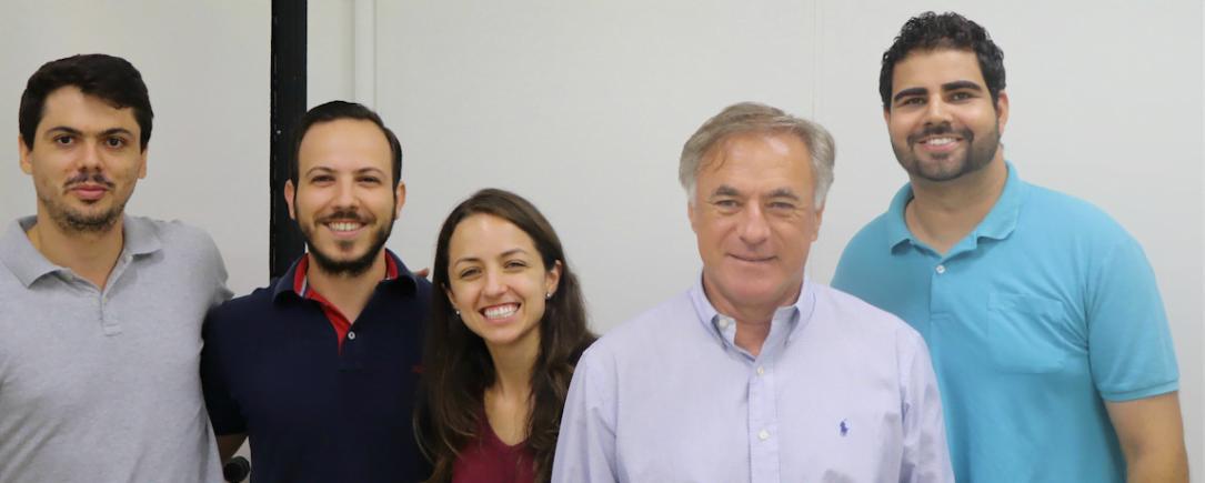 Juventude e maturidade na Rubian: Philipe dos Santos (pesquisador), Márcio Lopes (sócio), Juliana Kelly Silva (pesquisadora), Eduardo Aledo (sócio) e Alex Matioli (sócio).