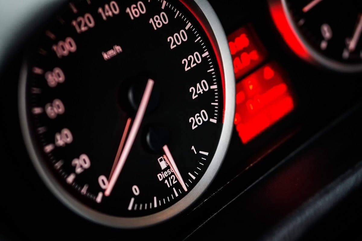 Tire o pé do acelerador e comece a projetar metas de longo prazo para sua startup (Imagem: Pexels/Reprodução).