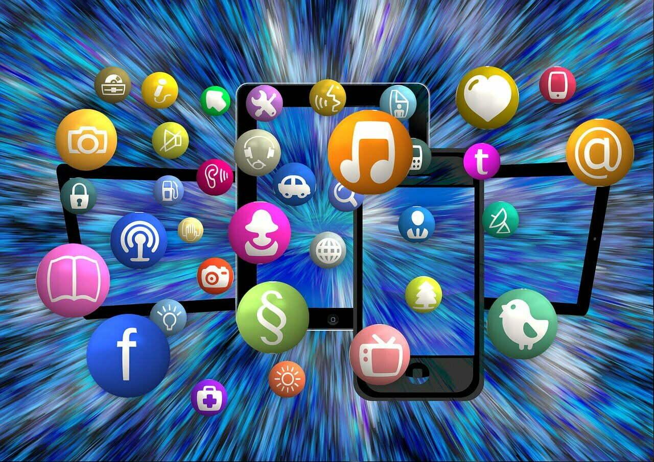 Apenas um clique: os brasileiros preferem usar apps para fazer compras no smartphone (Imagem: Pixabay/Reprodução).