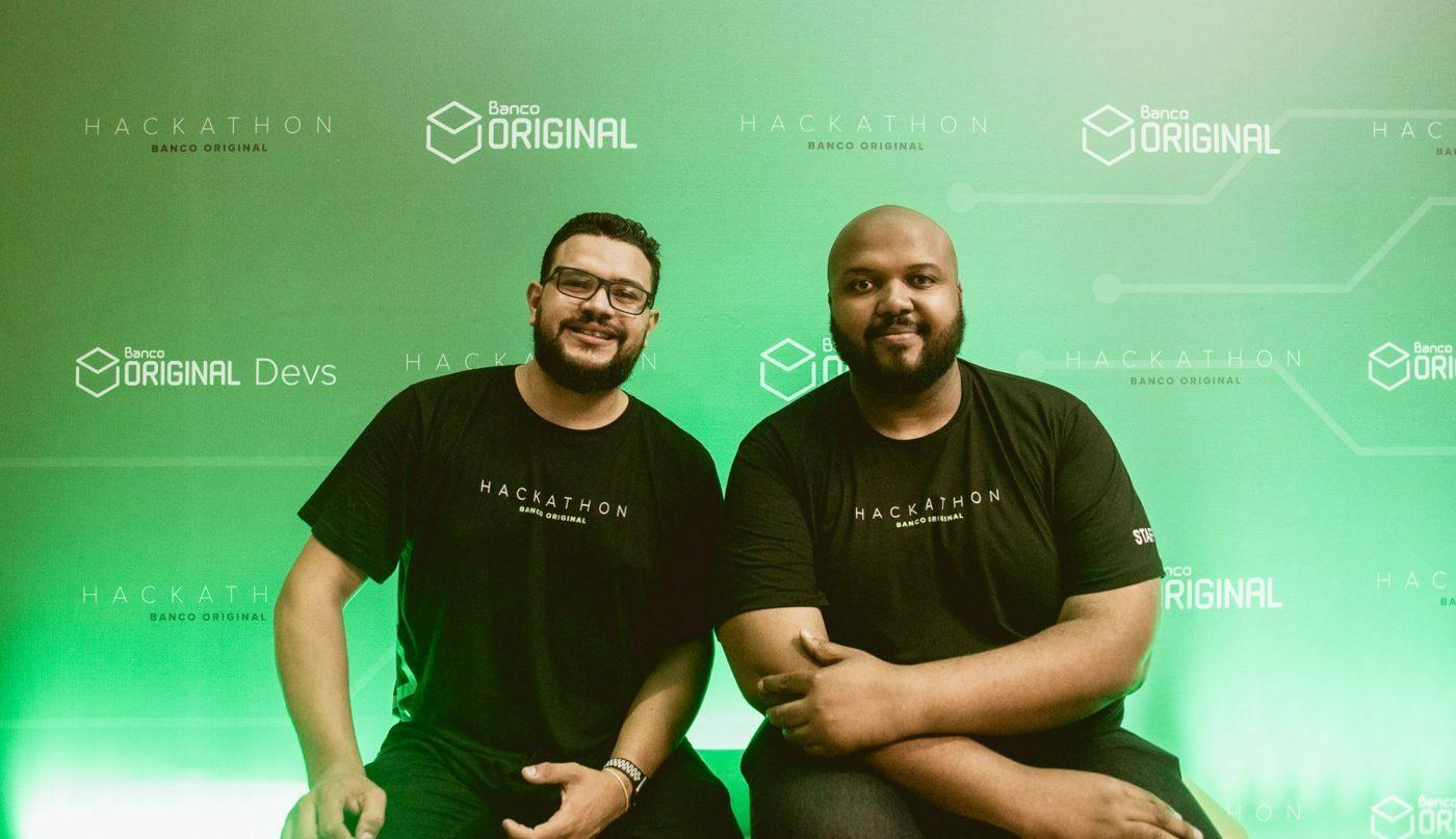 Após sentirem, na prática, as dificuldades de organizar hackathons, Rodrigo (à esquerda) e Abraão fundaram a Shawee.