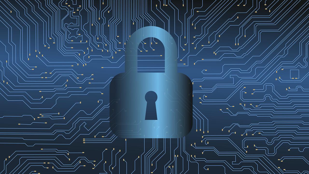 Em uma época em que cada vez mais empresas e governos utilizam o meio digital para armazenar dados, a cibersegurança garante o sigilo das informações e dos usuários.