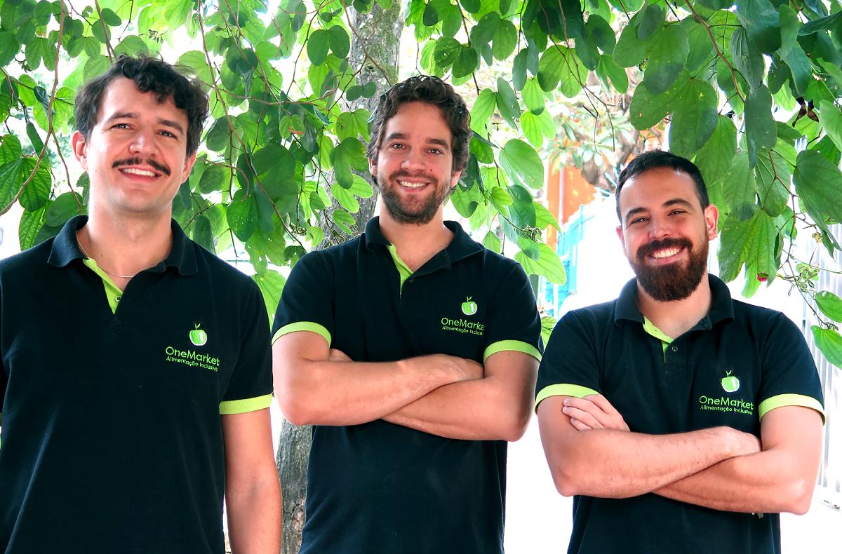 Lucas Marin, Henrique e Luiz queriam empreender em algo com potencial de mercado. Assim começou a história da OneMarket.