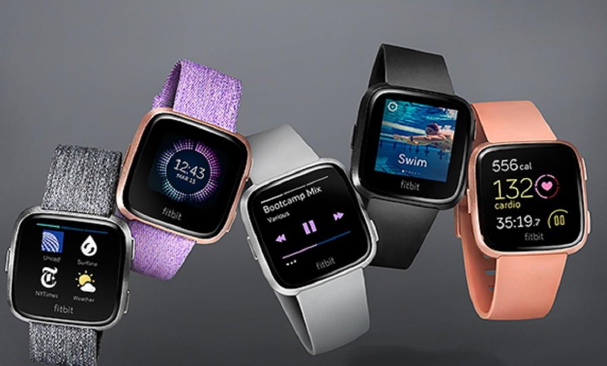 A Fitbit, pulseira que monitora as atividades físicas do usuário, é um dos wearables mais conhecidos do momento (Imagem: Fitbit/Reprodução).