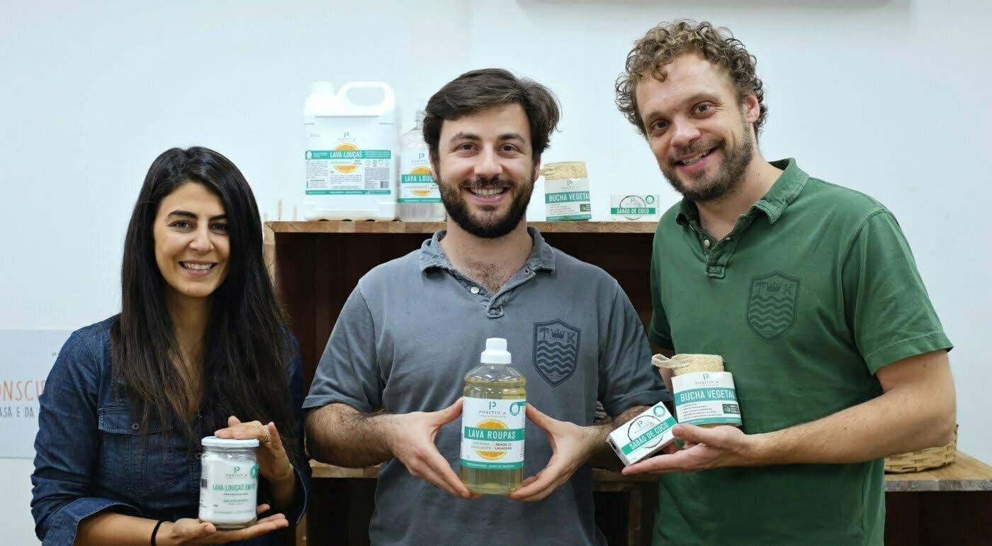 Marcella Zambardino, Alex e Rafael Seibel entenderam que os clientes não estavam prontos para o modelo de assinaturas e passaram a vender os itens da Positiv.a separadamente.