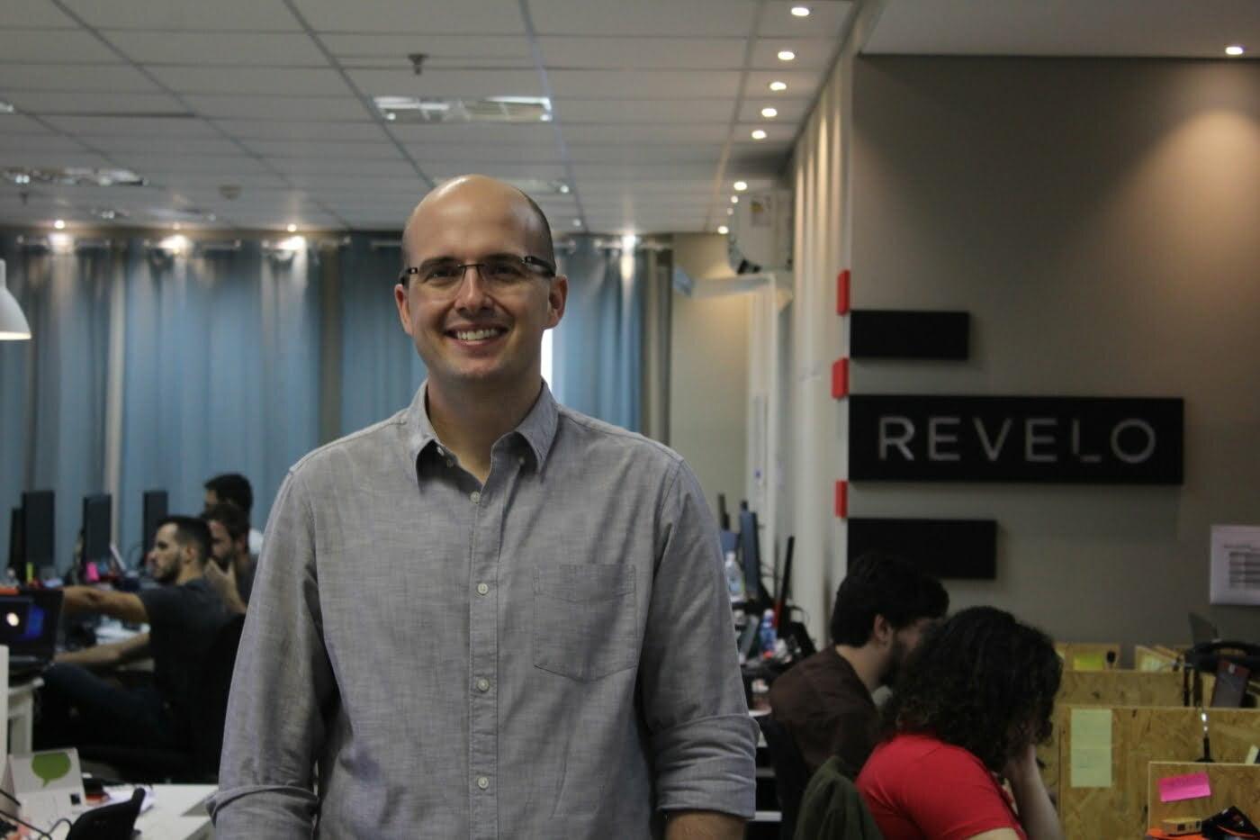 Com base em uma pesquisa realizada pela Revelo, Lucas Mendes desconstrói mitos sobre a geração Y em relação a comportamento e carreira.