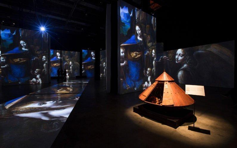 Pinturas de Da Vinci projetadas no MIS Experience
