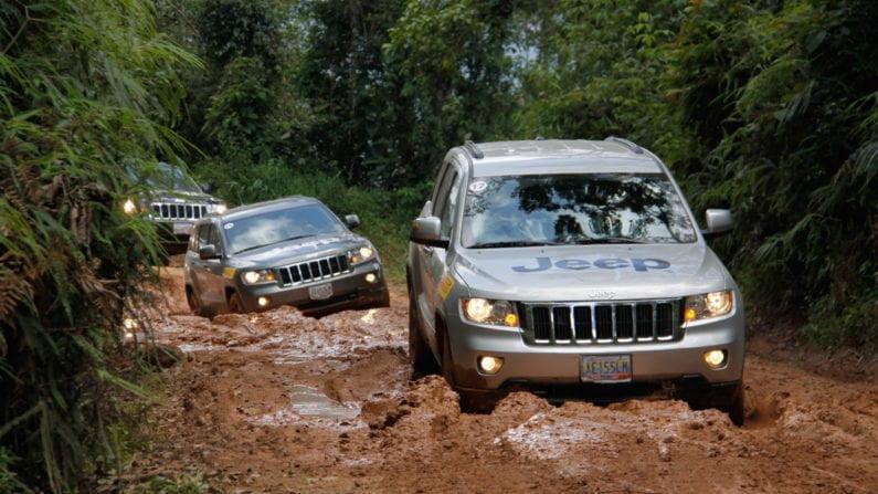 Jeep Grand Cherokee na lama da Venezuela