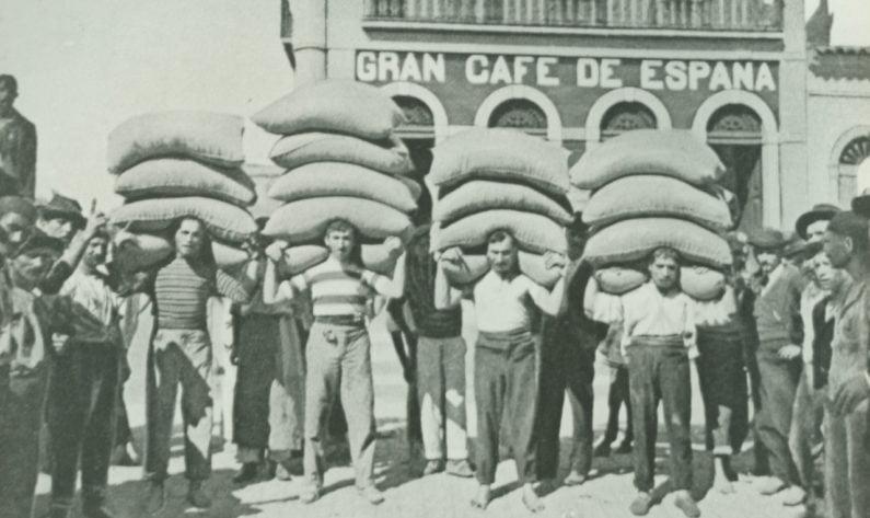 Imigrantes italianos no porto de Santos, SP