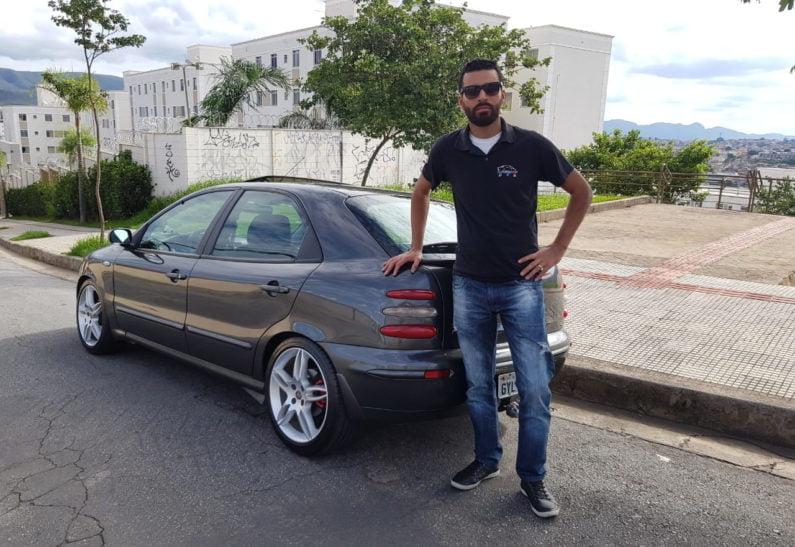 Estevão Rodrigues, presidente do Clube do Brava e Marea, com seu Fiat Brava SX 2001