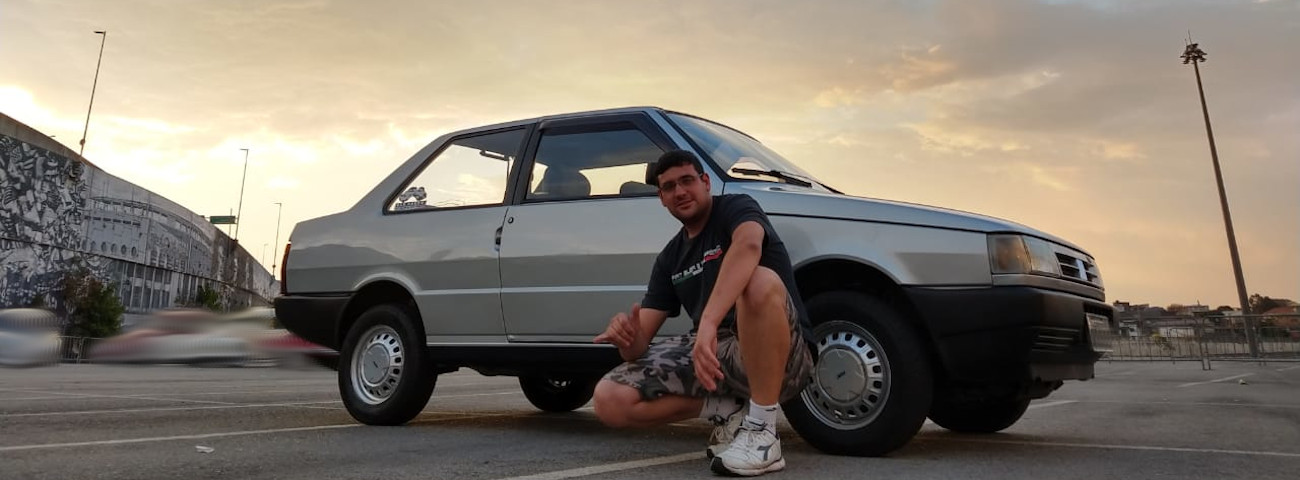 Guilherme Augusto Veras com seu Fiat Premio