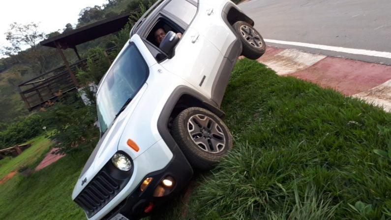 Renato Braga com seu Jeep Renegade Trailhawk