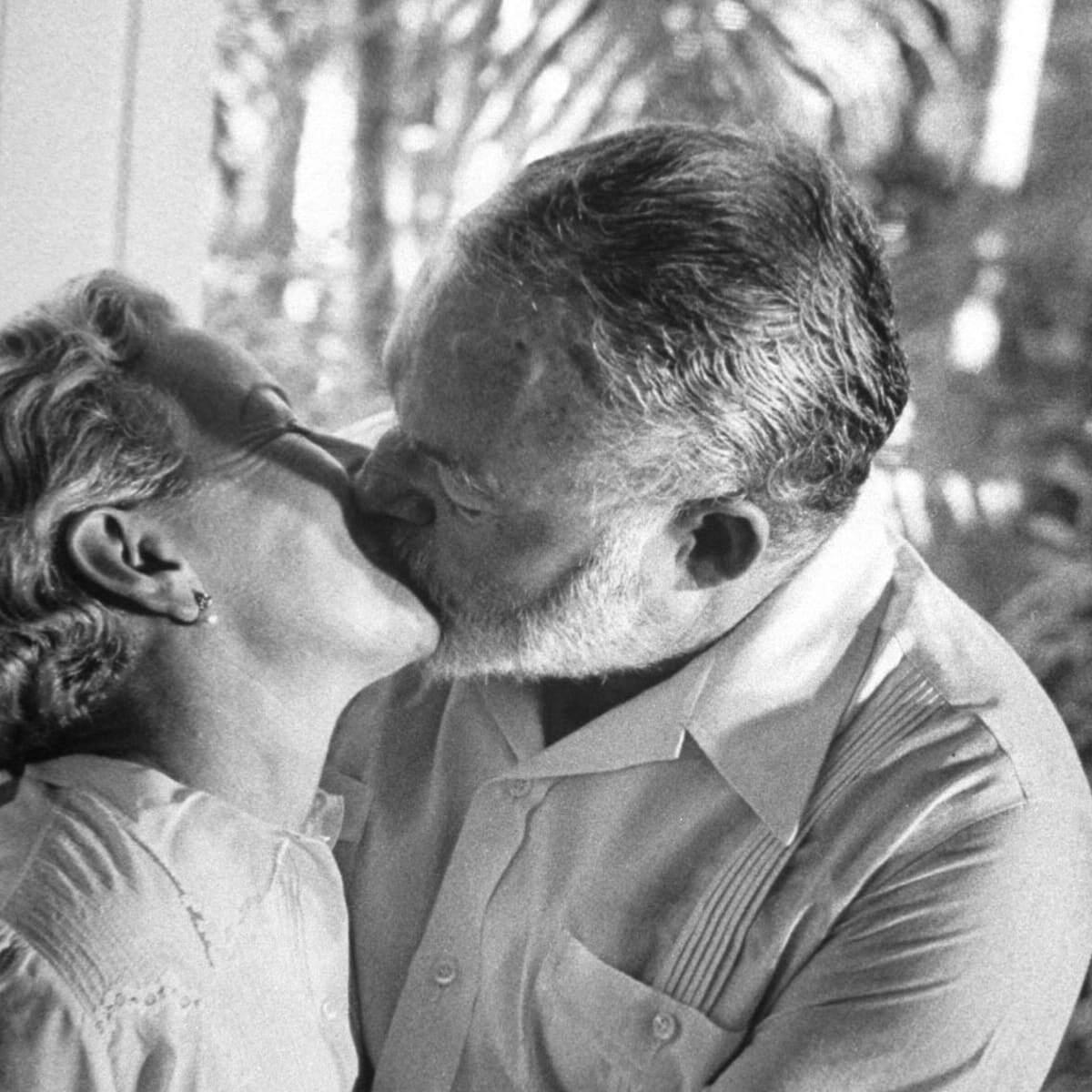 Ernest Hemingway, que viveu intensamente, aproveitando o que a vida tem de melhor